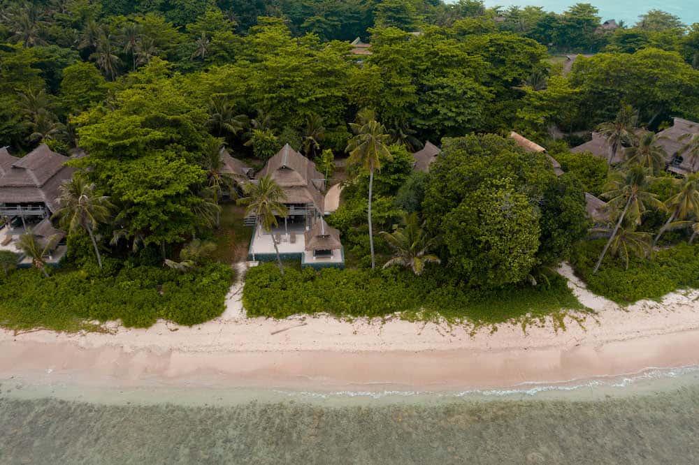 Nikoi Island Sustainable Resort